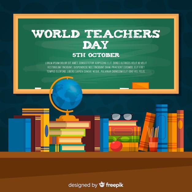 Fondo di giorno dell'insegnante con lavagna e scrivania in design piatto Vettore gratuito