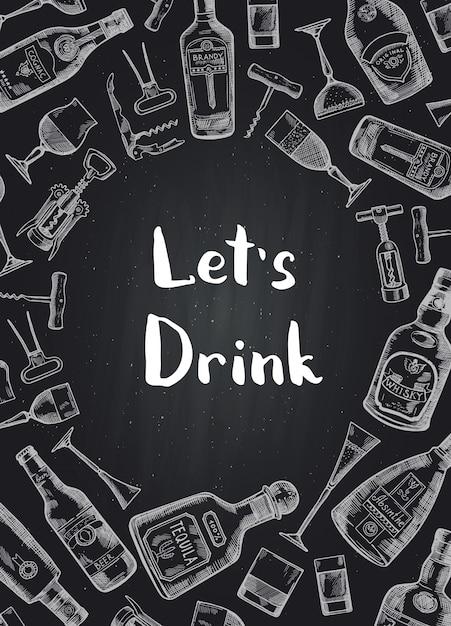 Fondo disegnato a mano delle bottiglie e dei vetri della bevanda dell'alcool sull'illustrazione nera della lavagna Vettore Premium