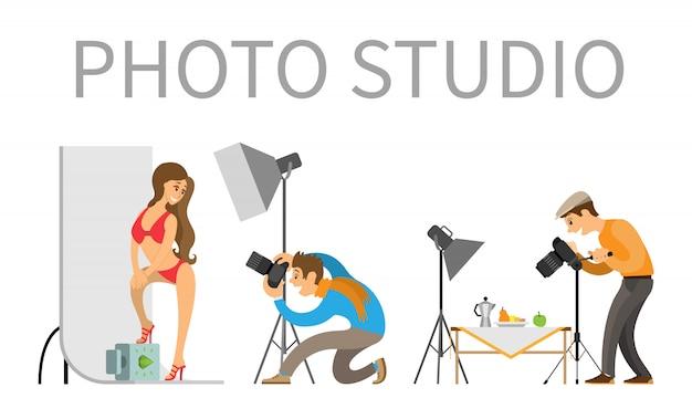Fotografo e modella in costume da bagno in photo studio Vettore Premium