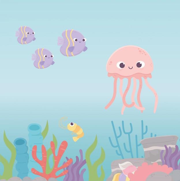 Fumetto della barriera corallina di vita del gambero dei pesci delle meduse sotto il mare Vettore Premium