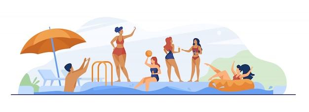 Gente felice che gode della festa in piscina Vettore gratuito