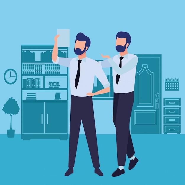 Gli uomini d'affari partner con i documenti Vettore gratuito