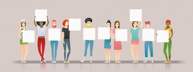 Gruppo di giovani donne che tengono i bordi vuoti Vettore Premium