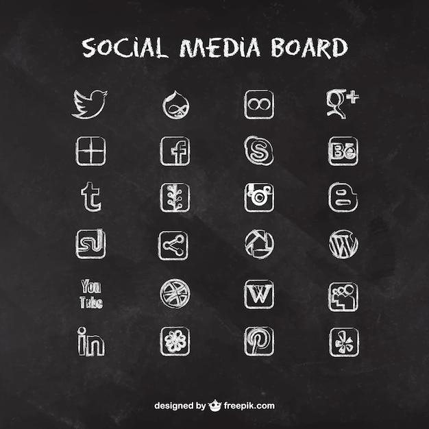 Icone social media sulla lavagna Vettore Premium