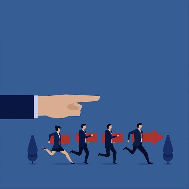 Il team segue le istruzioni del manager metafora del lavoro di squadra. Vettore Premium