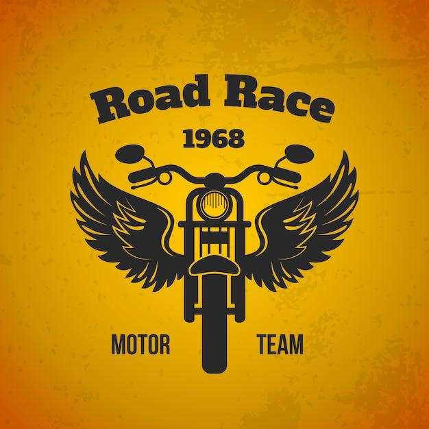 Illustrazione di moto ali. squadra motoristica su strada Vettore gratuito