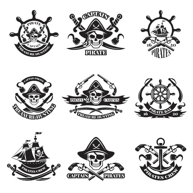Immagini in bianco e nero delle etichette dei pirati. Vettore Premium