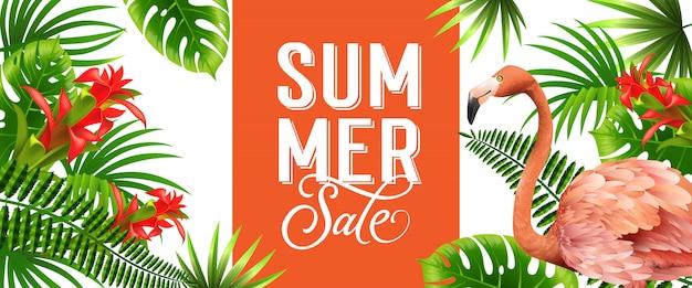 Insegna arancio di vendita di estate con le foglie di palma, i fiori tropicali rossi ed il fenicottero rosa. Vettore gratuito