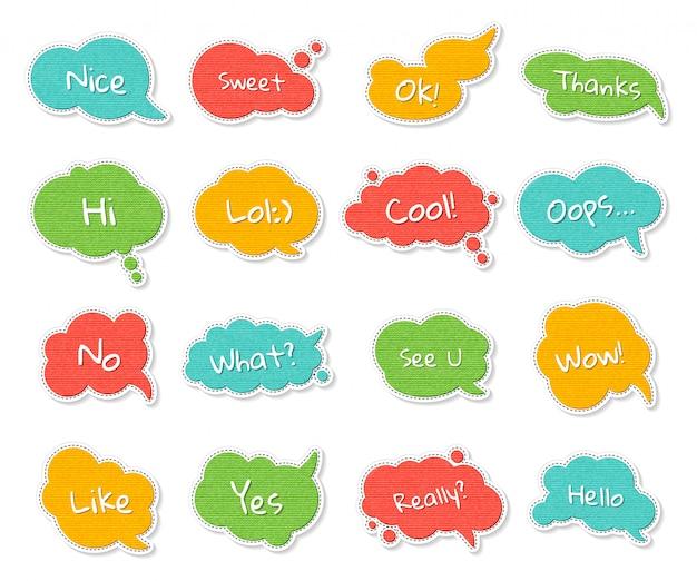 Insieme di bolle di discorso colorato con virgolette Vettore Premium