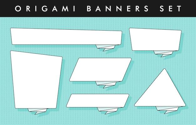 Insieme di modelli di adesivi e banner stile origami Vettore Premium