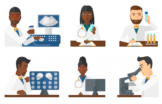 Insieme di personaggi e pazienti dottore. Vettore Premium