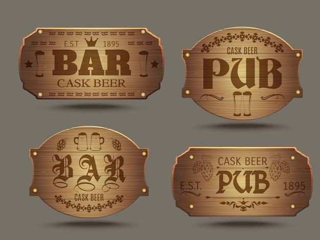 Insieme di segni di bar di pub in legno Vettore gratuito