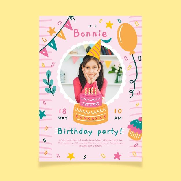 Invito festa di compleanno per bambini con foto Vettore gratuito