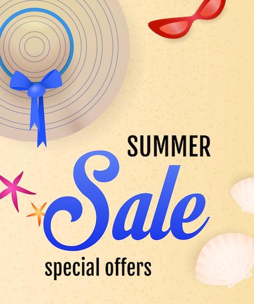 Iscrizione di vendita di estate con spiaggia, conchiglie, cappello e occhiali da sole Vettore gratuito
