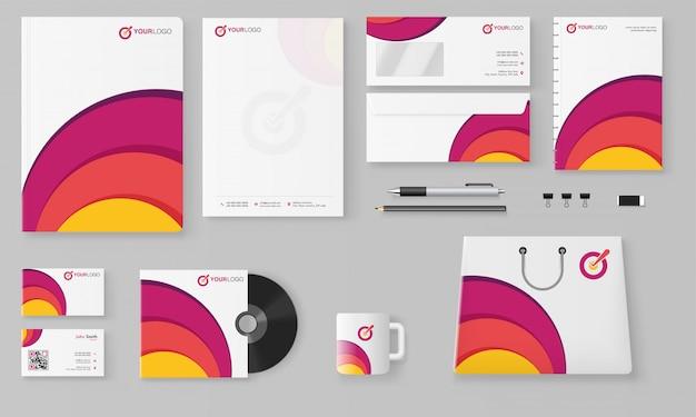 Kit professionale di branding aziendale che comprende testata, banner web o intestazione, blocco note. Vettore Premium