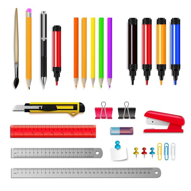 L'insieme di assortimento della cancelleria dei righelli disegna a matita gli indicatori e altri oggetti isolati sull'illustrazione realistica di vettore del fondo bianco Vettore gratuito