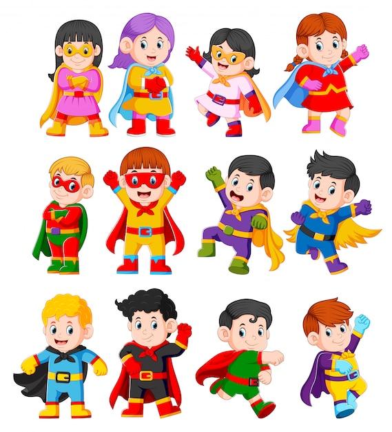 La collezione dei bambini che usano il costume da supereroi Vettore Premium
