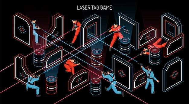 La composizione isometrica orizzontale nel gioco di gruppo all'aperto dell'interno dell'etichetta del laser con i giocatori che infornano gli obiettivi sensibili infrarossi vector l'illustrazione Vettore gratuito