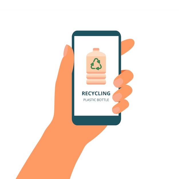 La mano tiene il telefono cellulare con il concetto verde di riciclare le bottiglie di plastica sul display Vettore Premium