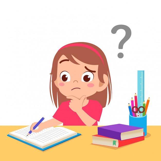 La ragazza sveglia del bambino confusa fa i compiti Vettore Premium