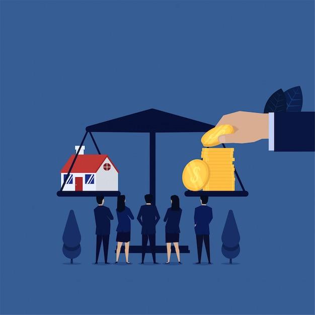 La squadra di affari vede il mutuo per la casa a conti fatti con le monete. Vettore Premium