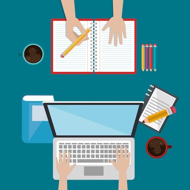 Laptop con icone di educazione facile e-learning Vettore gratuito
