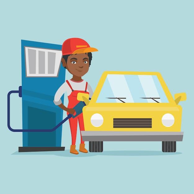 Lavoratore africano della stazione di servizio che rifornisce di carburante un'automobile. Vettore Premium
