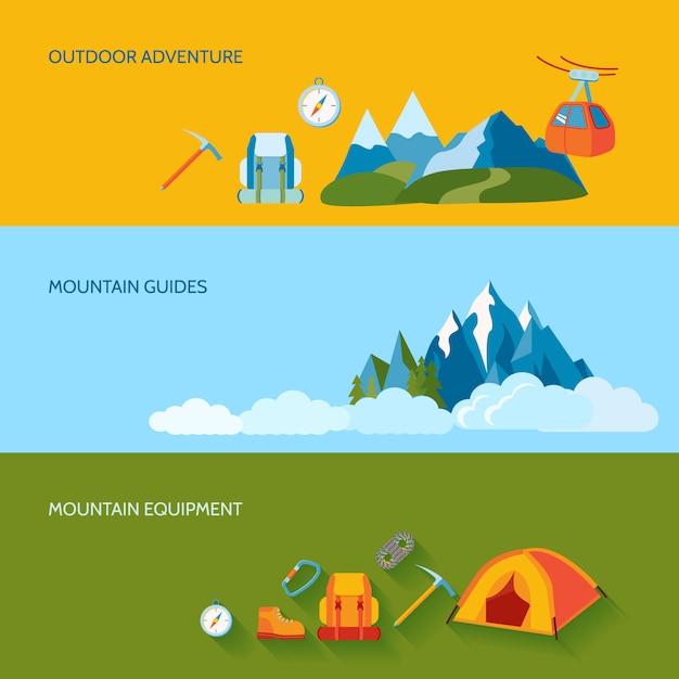 Le bandiere di campeggio delle montagne hanno messo con l'attrezzatura delle guide di avventura all'aperto Vettore Premium