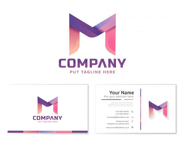 Lettera m logo con biglietto da visita di cancelleria Vettore Premium