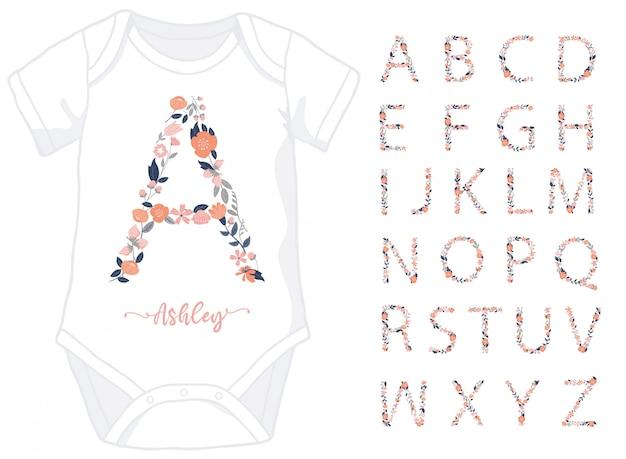 Lettere dell'alfabeto fatte di elementi floreali per tutina bambina Vettore Premium