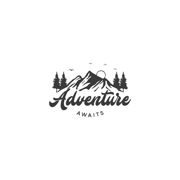 Logo della montagna per adventure e outdoor logo design Vettore Premium