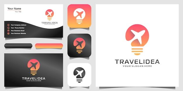Logo e biglietto da visita dell'illustrazione di concetto di forma della lampadina dell'aeroplano, logo della società dell'aeroplano, logo di viaggio. Vettore Premium