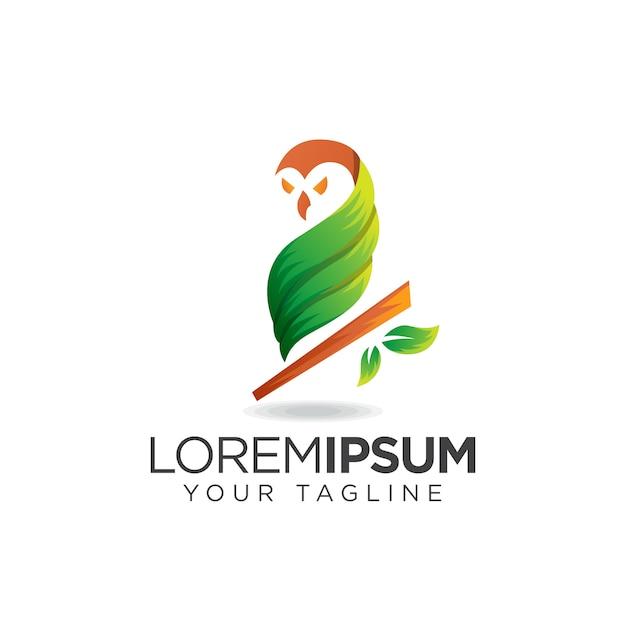 Logo gufo foglia verde Vettore Premium