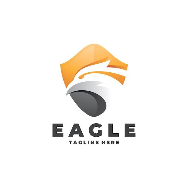 Logo moderno eagle falcon head and shield Vettore Premium