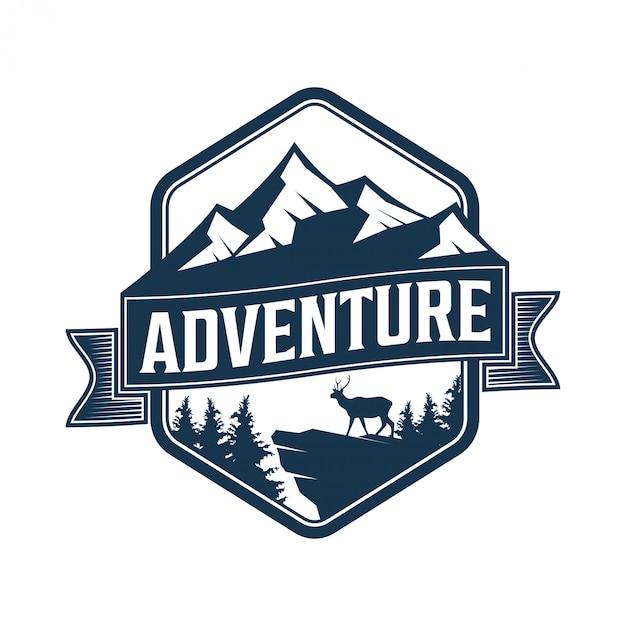 Logo vintage per esterno con elementi di montagna Vettore Premium
