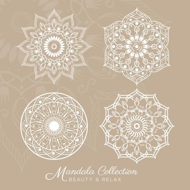 Mandala disegna collezione Vettore gratuito