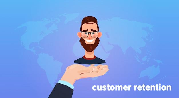 Mano uomo tenere uomo client. concetto di fidelizzazione del cliente. servizio clienti. garantire la fidelizzazione dei clienti. stile Vettore Premium