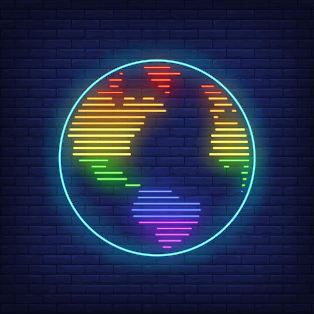 Mappa del mondo con insegna al neon colori lgbt Vettore gratuito