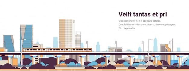 Metropolitana sopra il paesaggio urbano di grattacieli alti panorama della città moderna Vettore Premium
