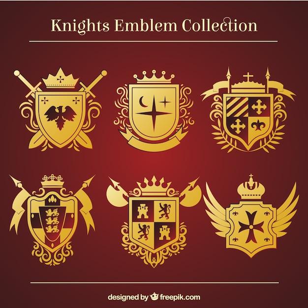 Modelli d'emblema cavaliere d'oro Vettore gratuito