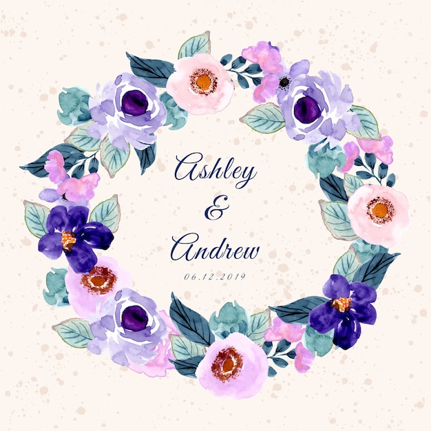 Modello della carta dell'invito di nozze con il bello acquerello porpora della corona del fiore Vettore Premium