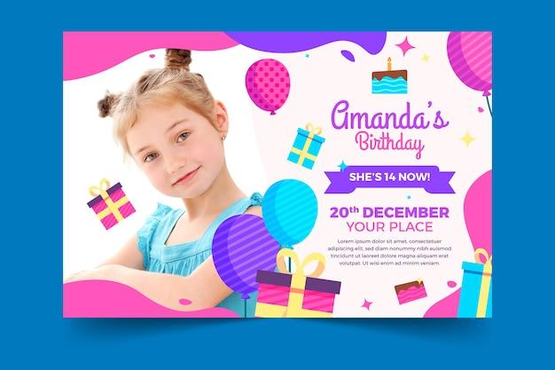 Modello di biglietto d'auguri per bambini con foto Vettore gratuito