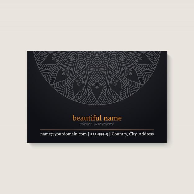 Modello di biglietto da visita con design etnico mandala Vettore gratuito