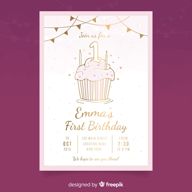 Modello di carta di compleanno primo cupcake d'oro Vettore gratuito