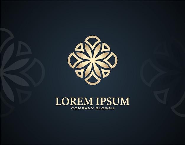 Modello di logo design plumeria fiore moderno e di lusso con effetti di colore oro Vettore Premium