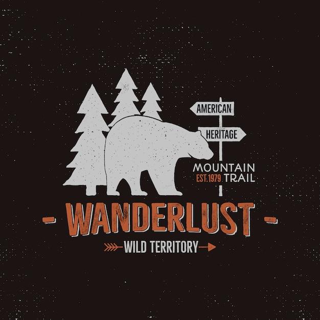 Modello di logo di animali selvatici. wanderlust territorio selvaggio preventivo con orso e alberi. vettore Vettore Premium