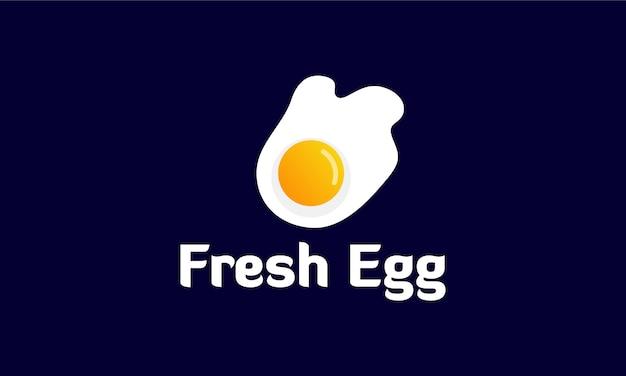 Modello di logo di uovo fritto fresco Vettore Premium