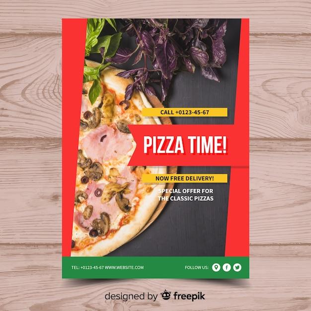 Modello di poster di pizza fotografica Vettore gratuito