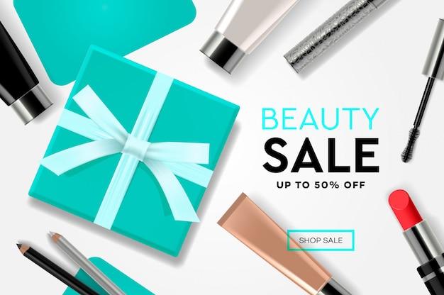 Modello di vendita di bellezza con prodotti cosmetici, scatole regalo, stelle filanti annunci. concetto di design moderno per lo sviluppo di siti web e siti web mobili. Vettore Premium