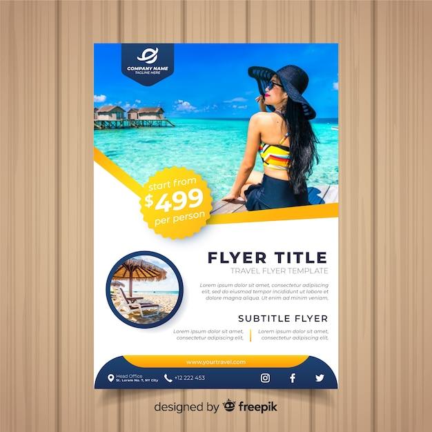 Modello di volantino di viaggio Vettore gratuito